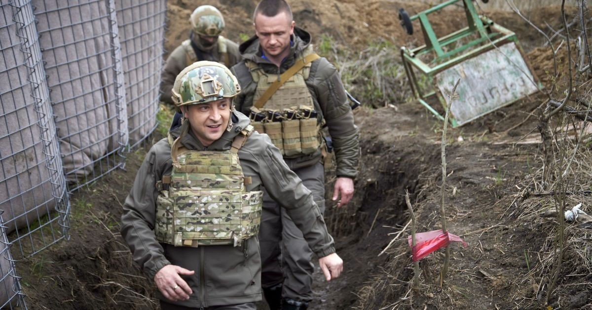 Зеленський про ситуацію на Донбасі: Армія готова