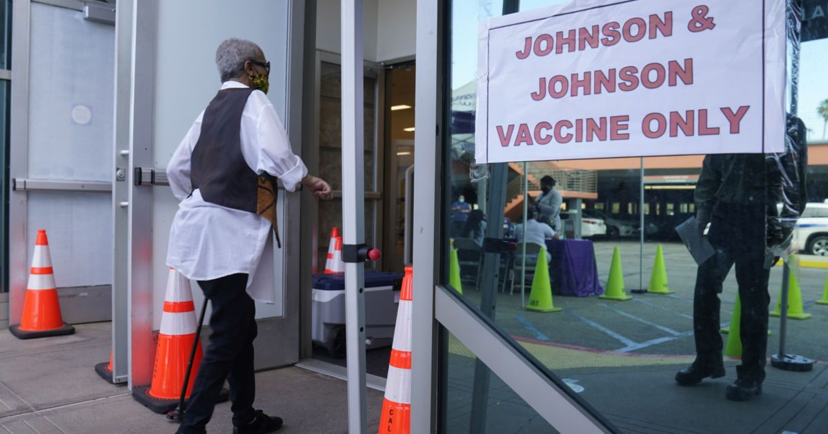 В США рекомендовали приостановить вакцинацию от COVID-19 препаратом Johnson & Johnson