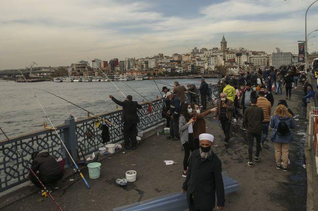 У Туреччині посилили комендантську годину і посилили карантинні обмеження