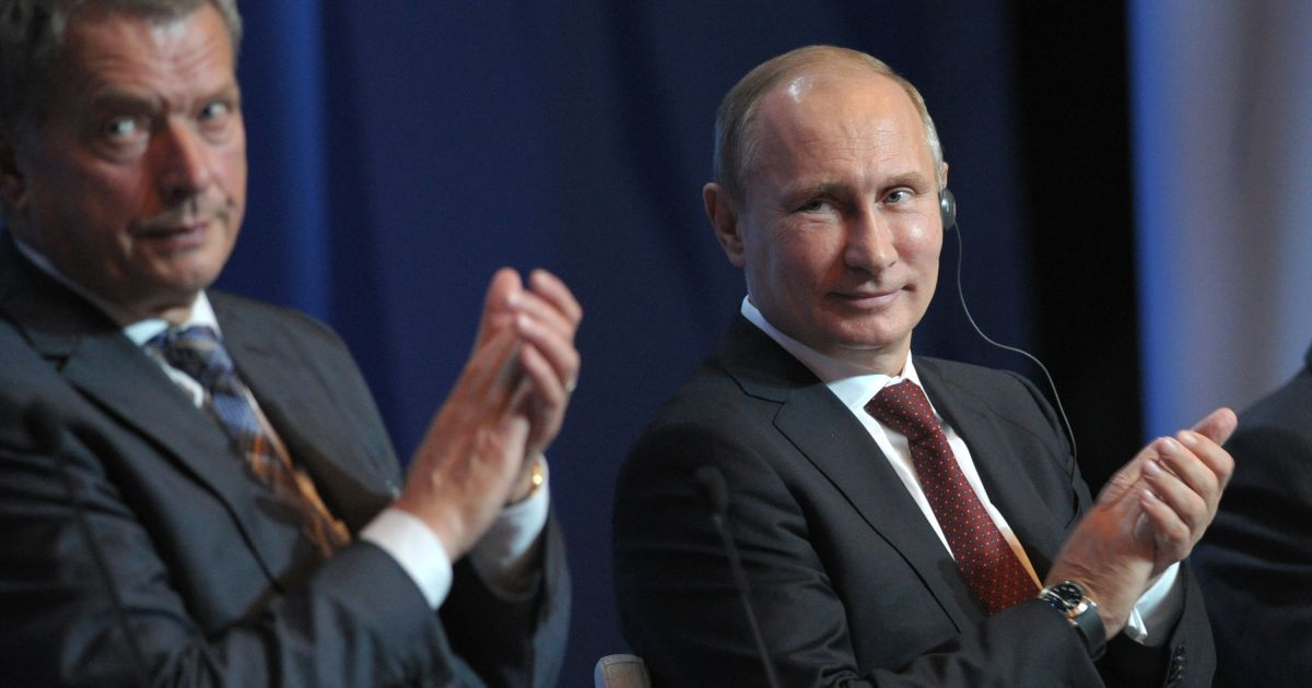 Президент Фінляндії вказав Путіну на необхідність діалогу для зниження напруженості на Донбасі