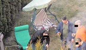 Дипломат РФ, нехтуючи карантином, влаштував гучну вечірку в Ризі і показував сусідам середні пальці