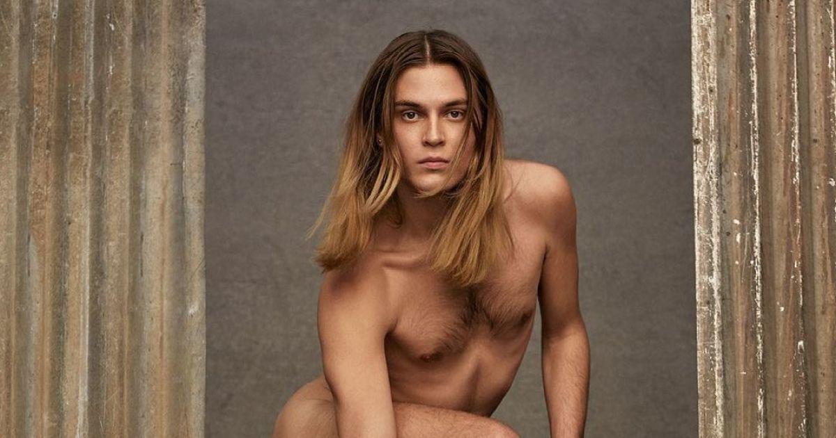 Скандал в Модном доме Valentino: голый мужчина с сумкой вызвал фурор в Сети