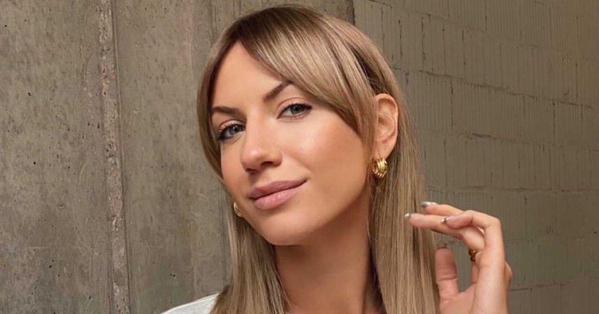 Не стесняется: Леся Никитюк задрала ногу и сверкнула пикантным местом