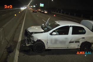 Аварія на порожній дорозі з трьома смугами руху: водії озвучують абсолютно різні причини ДТП