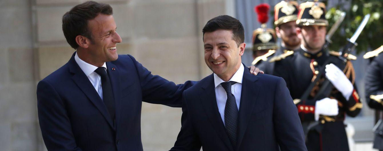 Хотел бы, чтобы мои отношения с Макроном были лучше, чем его с Путиным — Зеленский об ожиданиях от разговора в Париже