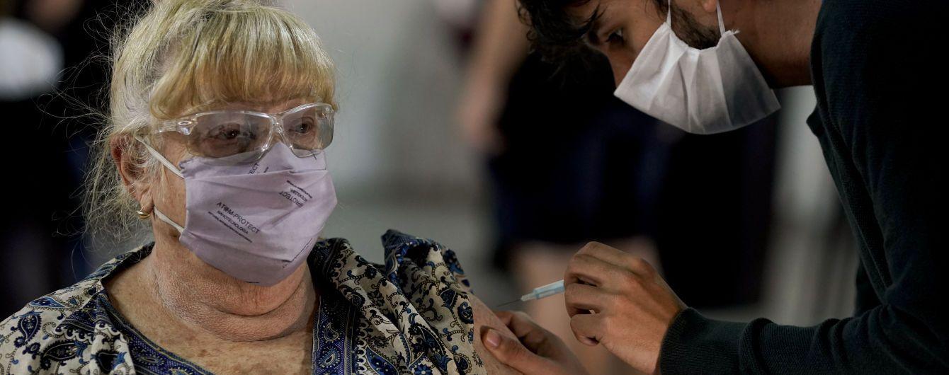 Вакцинація діабетиків, алергіків і під час лактації: інфекціоністка розповіла особливості COVID-щеплення
