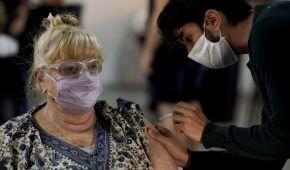Вакцинация диабетиков, аллергиков и во время лактации: инфекционистка рассказала особенности COVID-прививок