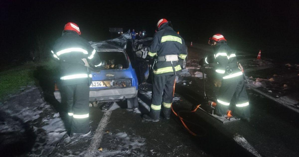 Під Кропивницьким в результаті ДТП в авто згоріла ціла родина
