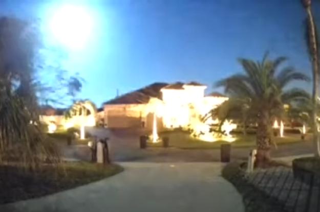 Яскрава вогняна куля, що вражає: жителі Флориди зняли метеор (відео)