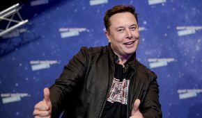 В Сети показали салон Tesla Cybertruck, на котором Илон Маск приехал на завод в Техасе