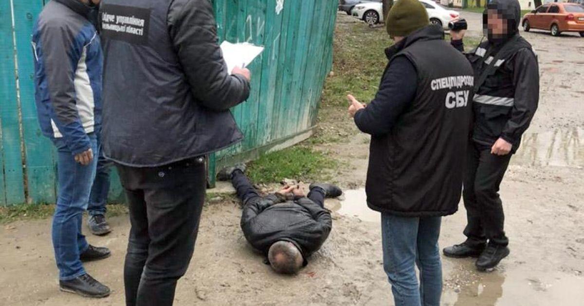 Замовив вбивство колишньої: у Хмельницькій області затримали чоловіка