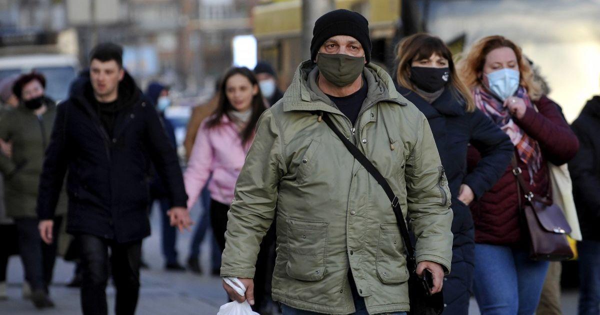 В Киеве зафиксировано более тысячи новых случаев COVID-19, полсотни умерших: статистика на 17 апреля