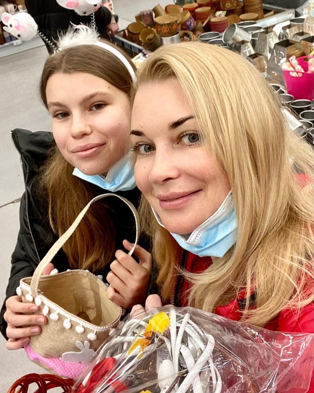 Лідія Таран з донькою_2