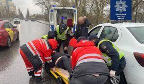 В Киеве у водителя случился инсульт прямо во время движения: фото