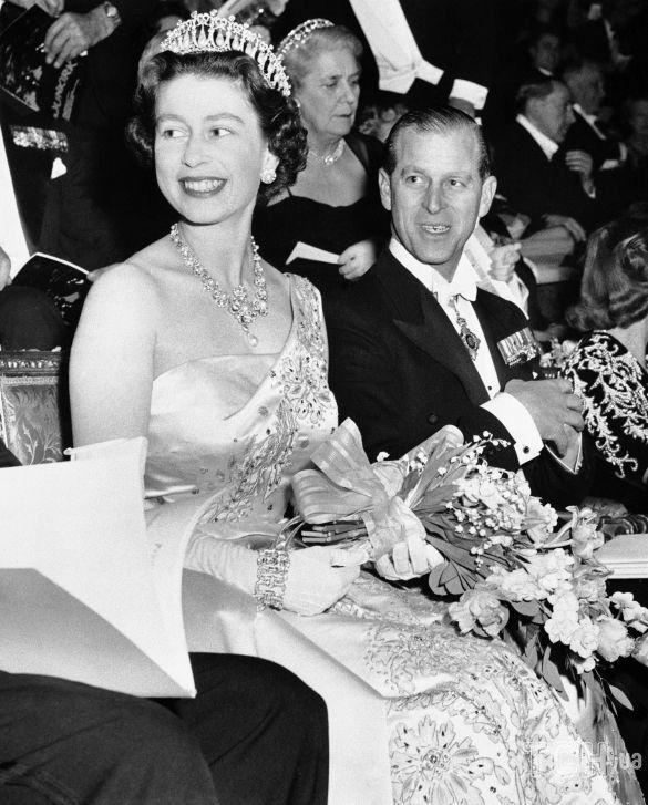 Королева Великобритании Елизавета II и ее муж, принц Филипп, герцог Эдинбургский