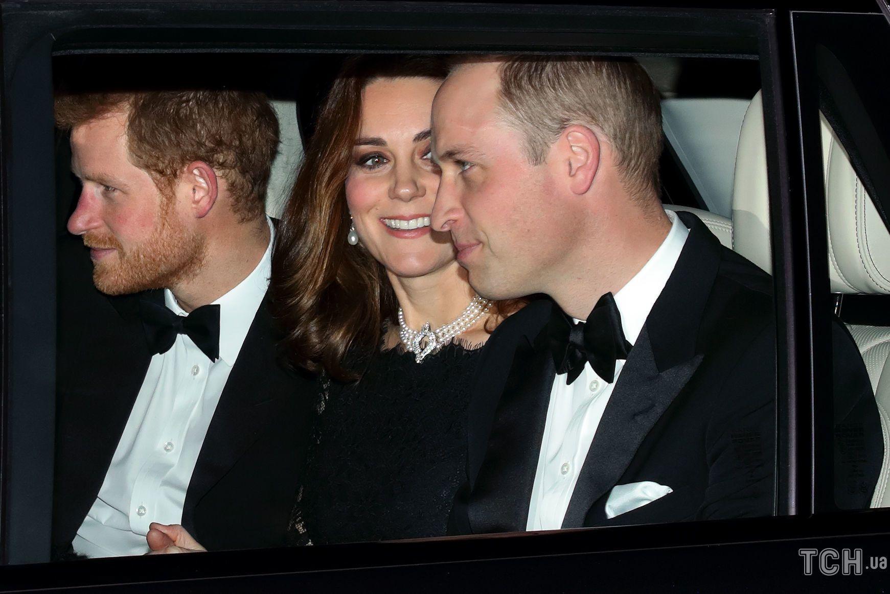Принц Гарри, Кэтрин, герцогиня Кембриджская и принц Уильям, герцог Кембриджский