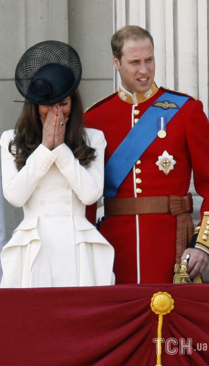 Кейт и Уильям в 2011 году, на 85-летии королевы