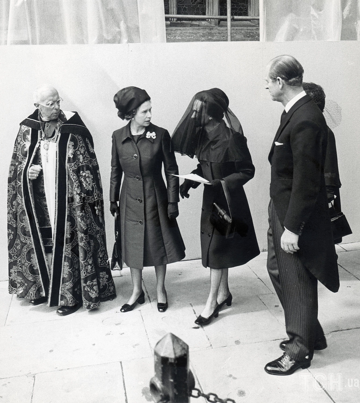 Королева Елизавета II, герцогиня Виндзорская