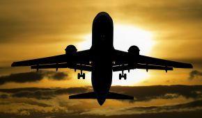 США рекомендували авіаперевізникам бути обережними під час польотів над Україною