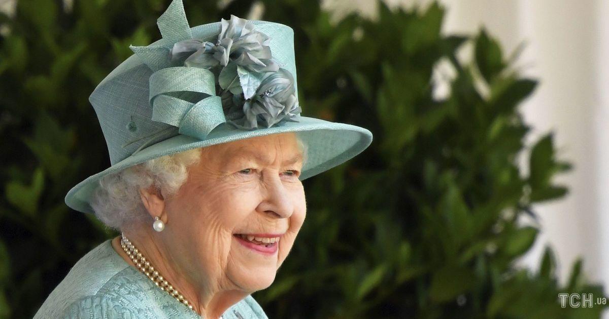 Елизавете II исполняется 95 лет: вспоминаем четыре круглые даты королевы