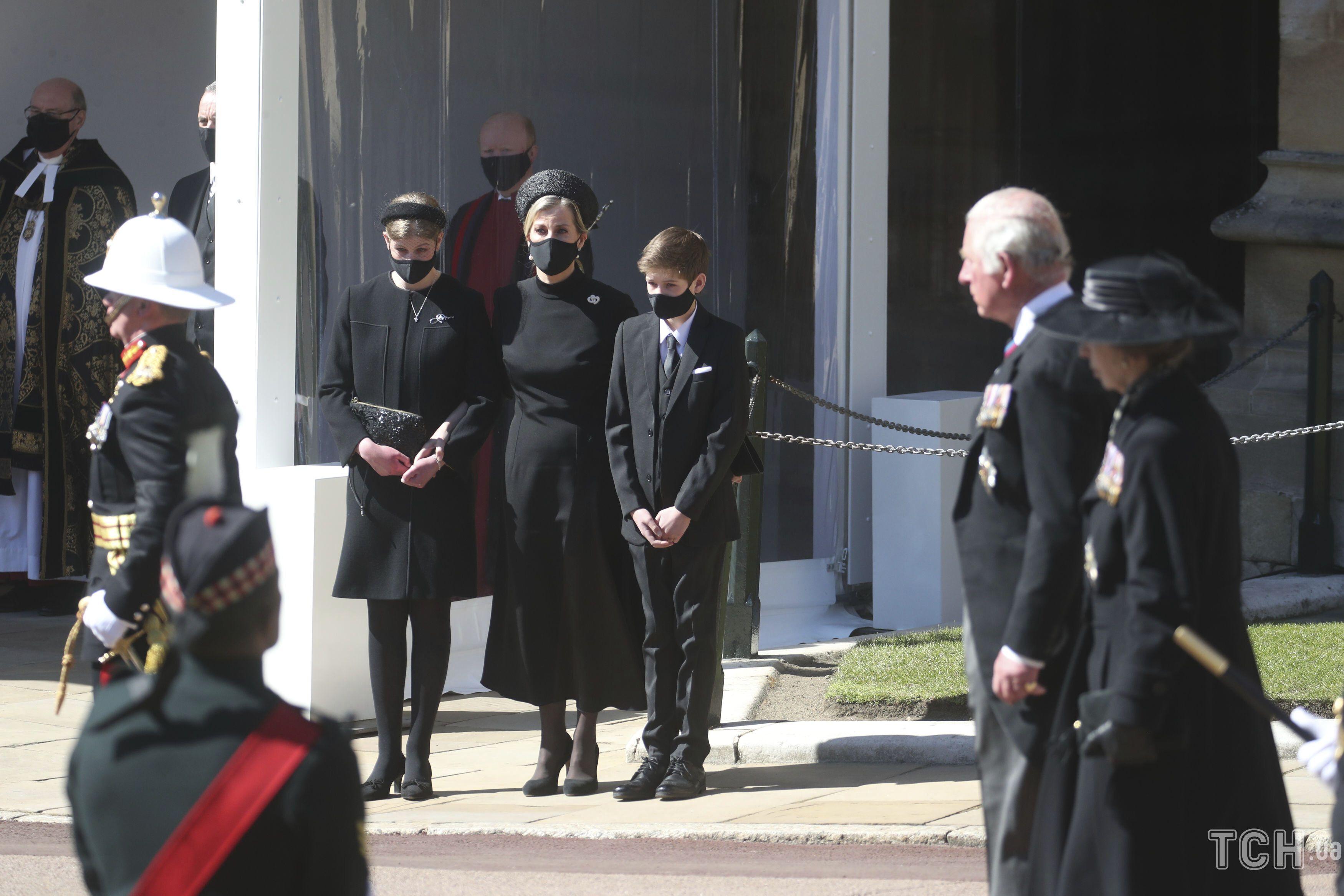 Королевские дамы на похоронах принца Филиппа_3