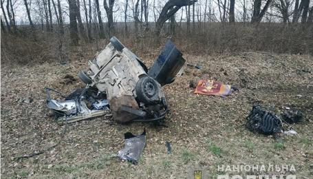 Автомобіль врізався у вантажівку та перекинувся: у Тернопільській області сталась смертельна ДТП (фото)