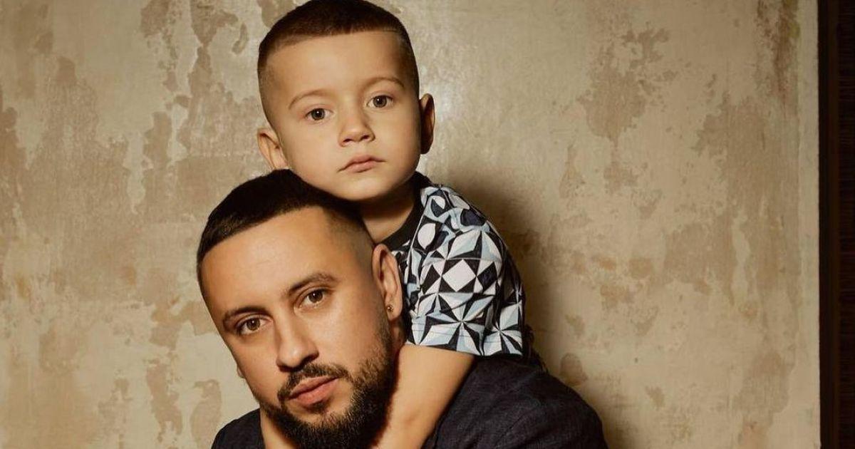 MONATIK показав підрослого сина та повідомив про важливу подію у житті хлопчика