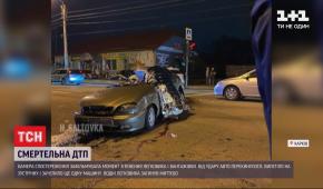 """У Харкові """"Ланос"""" на шаленій швидкості врізався в два авто: водій не вижив"""