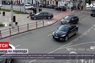Новости Украины: во Львове авто вылетело на тротуар и сбило пешехода