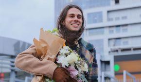 Звездные гости и танцы на площади: Жан Грицфельдт презентовал дебютный клип на большом экране в Киеве