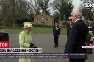 Новости мира: принц Гарри вернулся в Америку за день до юбилея королевы Елизаветы