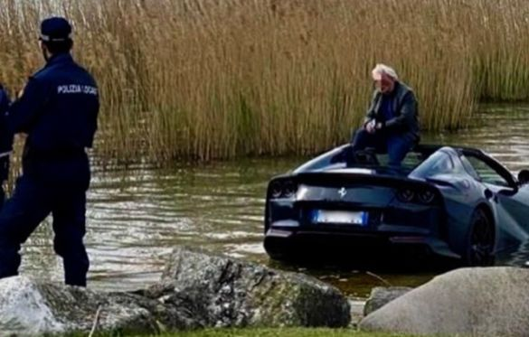Чоловік втопив Ferrari