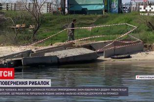 Новини України: російські прикордонники назвали причину затримання українських рибалок