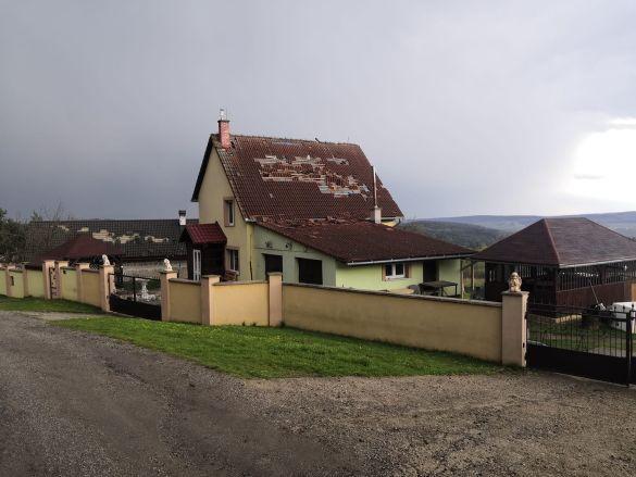 Торнадо в Словаччині, неподалік Ужгорода_1