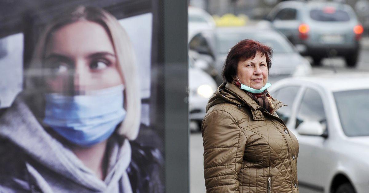 Напівпорожній транспорт і аншлаг у ТЦ: як Київ вийшов з карантину