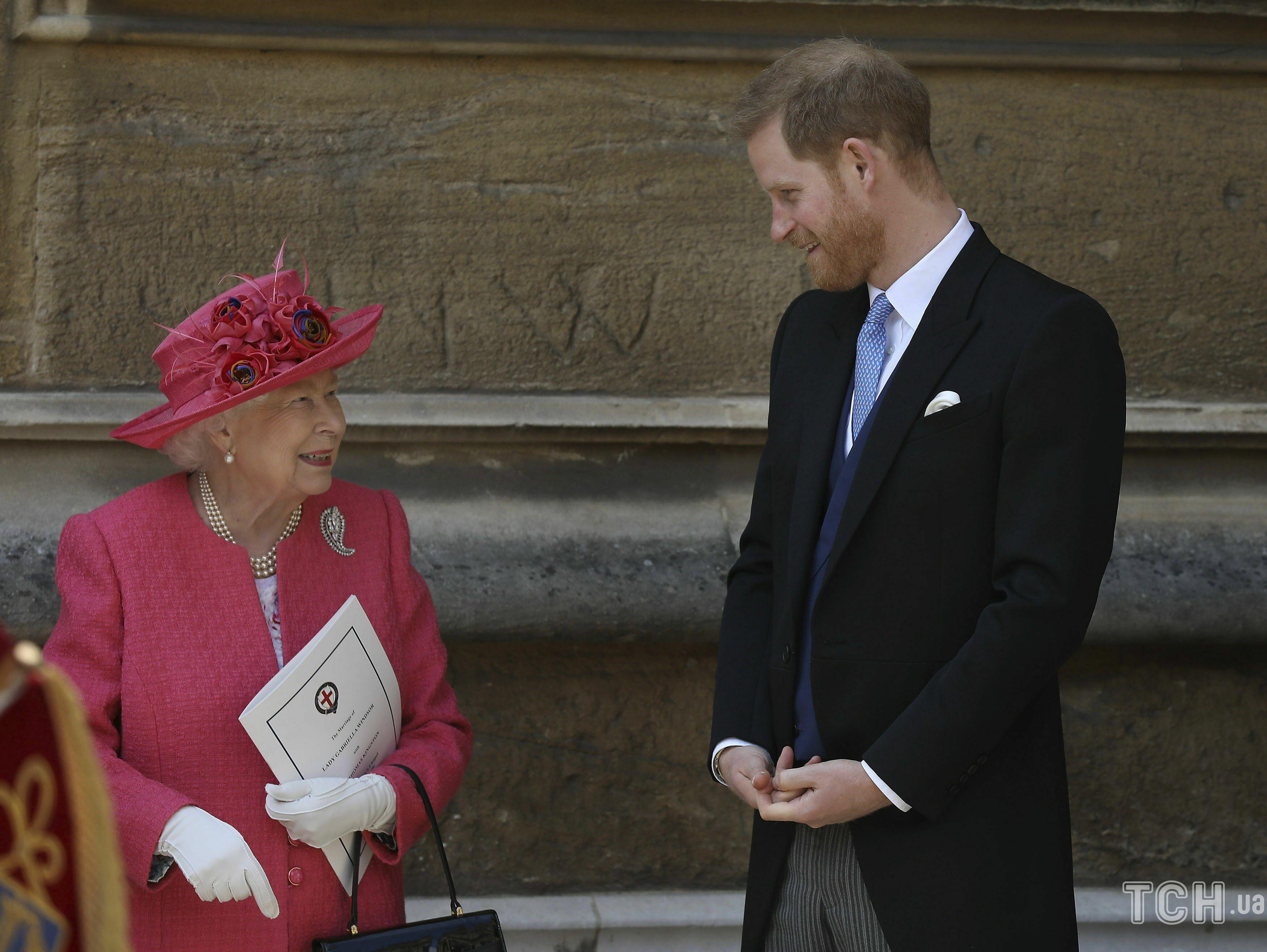 Принц Гарри и королева Елизавета II