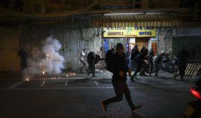 В Єрусалимі відновилися зіткнення між палестинцями та ізраїльською поліцією: подробиці