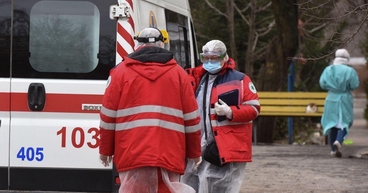 Почти 180 новых больных и 17 смертей: статистика коронавируса в Киеве на 2 мая