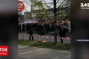 Новости Украины: на левом берегу столицы пытаются демонтировать киоски