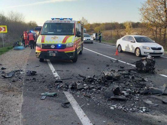 Смертельная авария на Закарпатье: в ДТП погибли три человека, еще один в реанимации (фото)