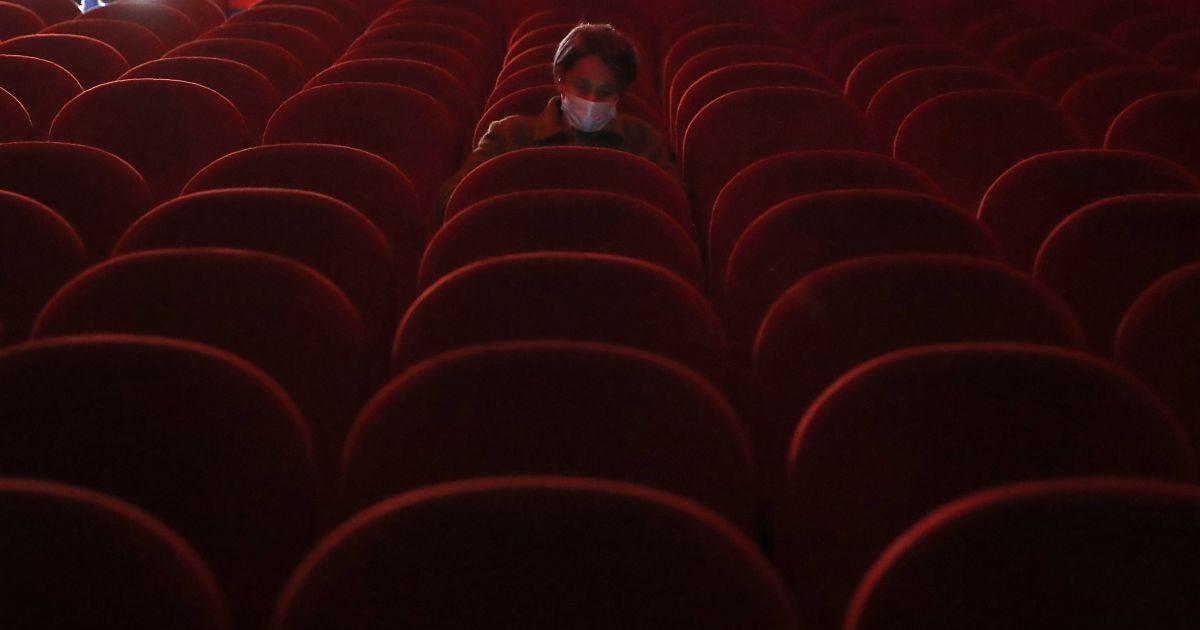"""Київ переходить у """"помаранчеву"""" карантинну зону: в КМДА розказали, які заборони діятимуть в столиці"""