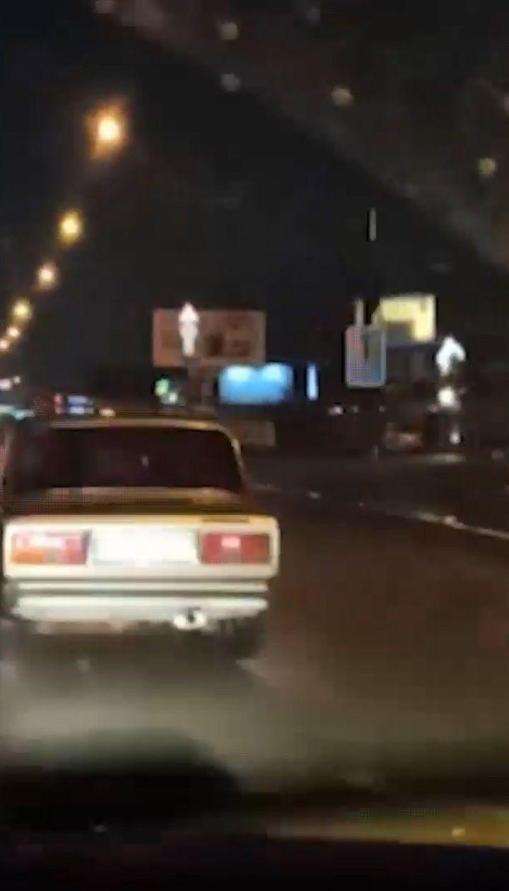 """Викрали """"Жигуль"""", щоб поїхати на дискотеку: як двох п'яних друзів у Києві наздоганяли поліцейські"""