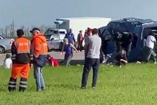 У Росії в ДТП з мікроавтобусом і вантажівкою загинули 5 дітей, ще 18 людей постраждали