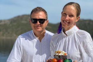 Втретє вагітна Катерина Осадча показала, як святкує Великдень з Горбуновим на яхті