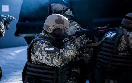 Тиск на детективів і втрачений Україною мільярд: у НАБУ розповіли про розслідування розкрадань у ЗСУ