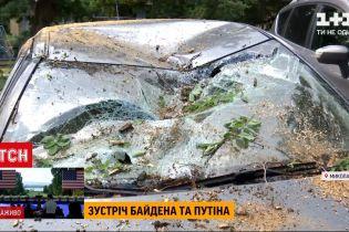 Погода в Украине: в Николаеве машины по дверцы были в воде, а Днепром пронесся мощный ураган