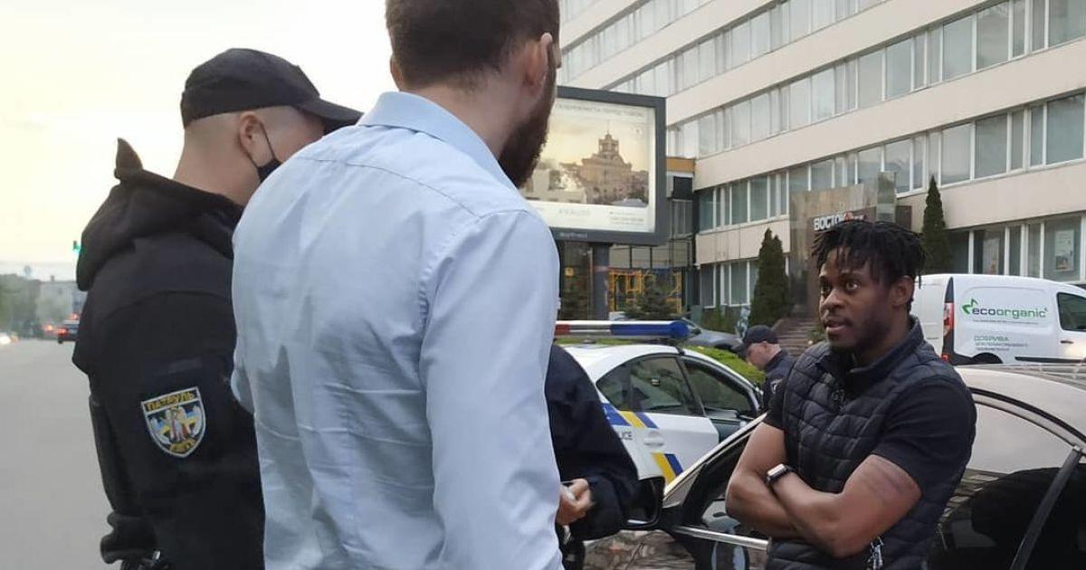 В Киеве полиция задержала пьяного футболиста-водителя: документов на авто также не оказалось (видео)