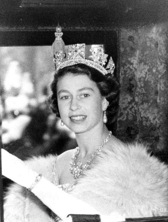 Королева Елизавета II_8
