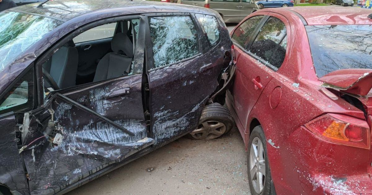 Пропустил пешехода и попал в ДТП: в Одессе при столкновении авто пострадали два человека (фото)