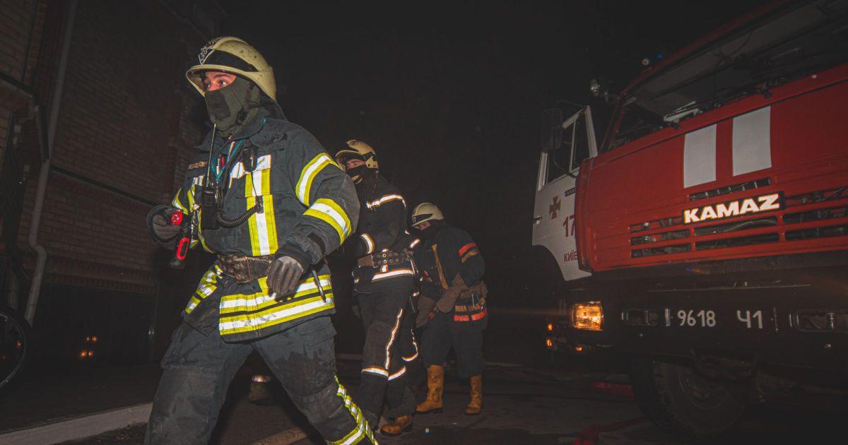 В Киеве произошел пожар на территории храма: погибли два человека